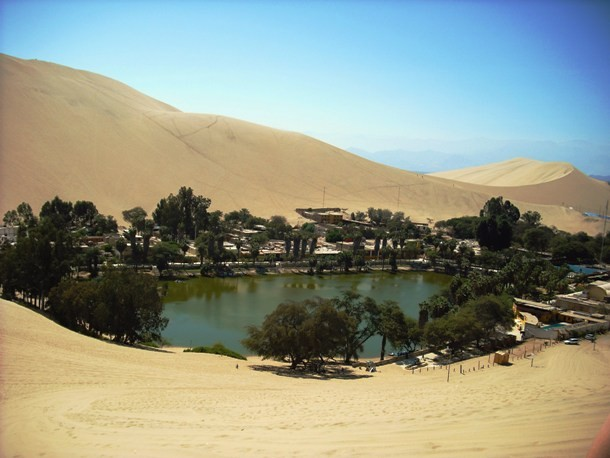 Oasis_Huacachina-610x458