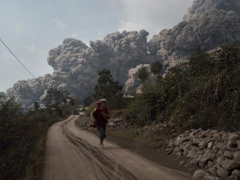 v3-Indonesia-eruption