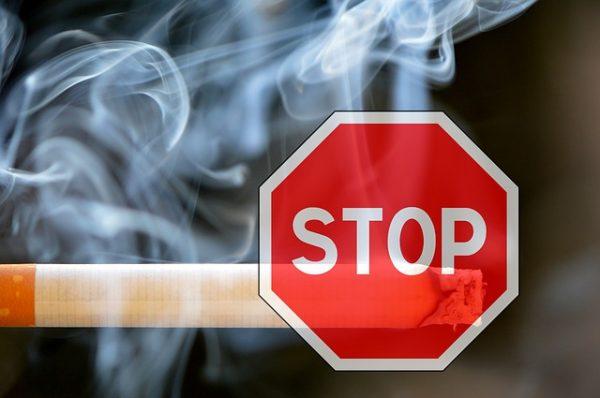 smoking-1111975_640-600x398